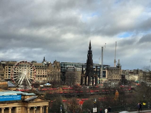 Edinburgh On Budget- Travel Guide